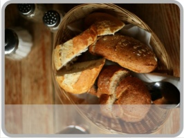 Brot, Käse, Eiswürfel